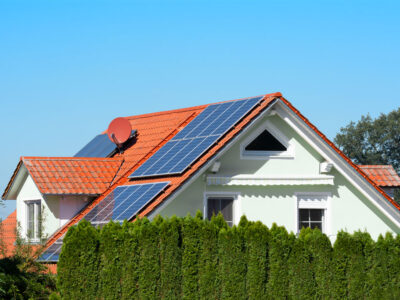modern-house-with-photovoltaic-system-NLWBLKS